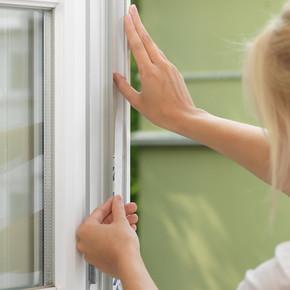 Tesa Pencere Sineklik Standart Cırt Bantlı Beyaz