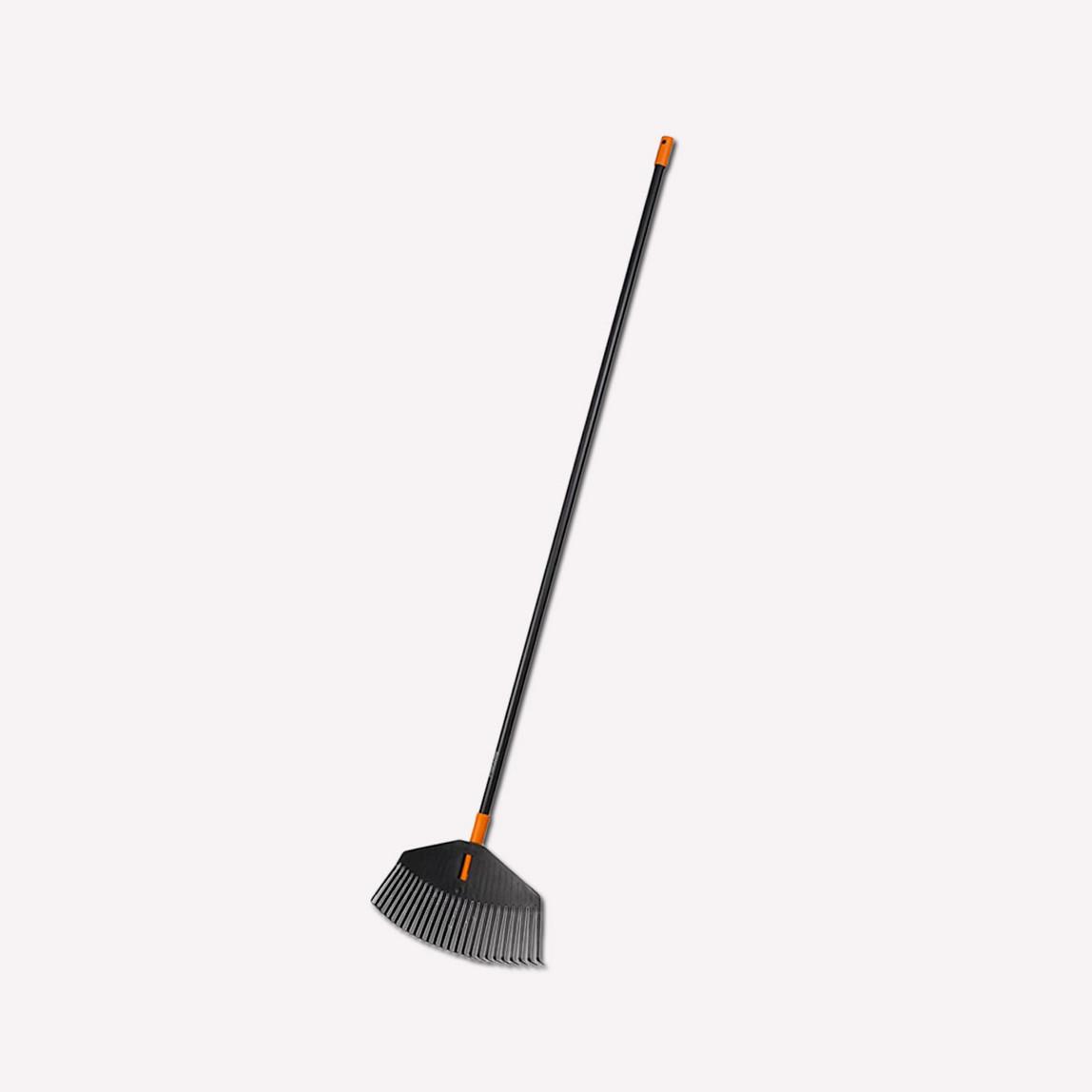Fiskars 135026 Solid Medium Size Yaprak Süpürgesi