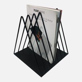 Metal Üçgen Dergilik 7'li Siyah 21x22x23H cm