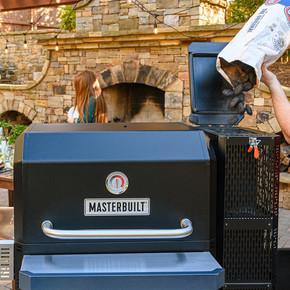 Masterbuilt Gravity Series™ 1050 Digital Kömürlü Smoker Mangal